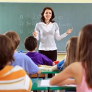a57e18_profesora-dando-clase